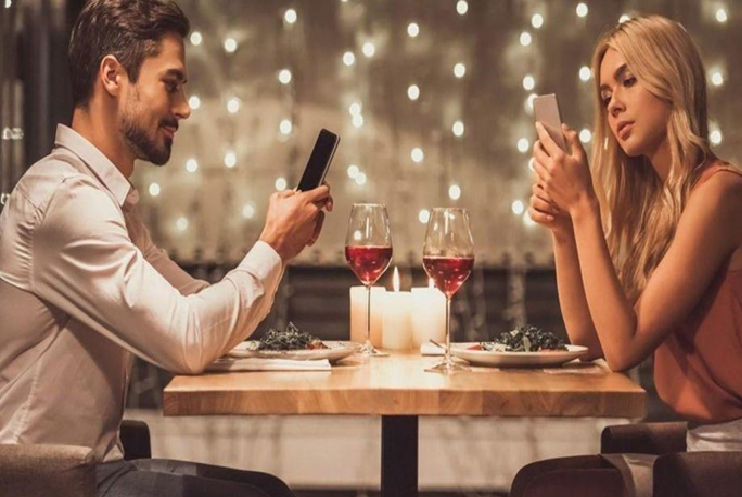 Relationship Search: Single Musicians and Artists Are Using Dating Sites Much More in 2019