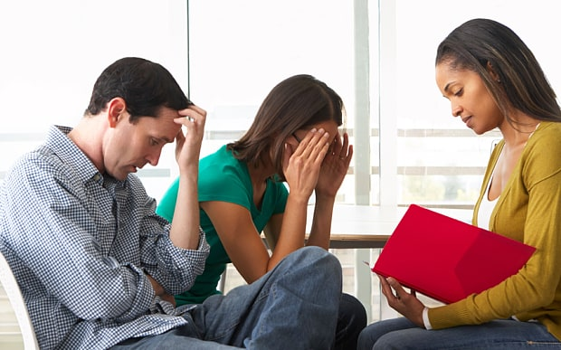 What does a relationship counsellor do?